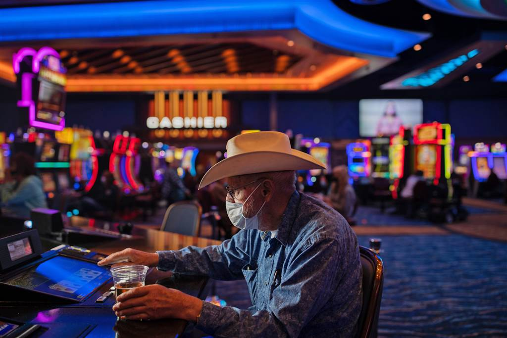 Is It Time to talk Extra About Gambling Online?